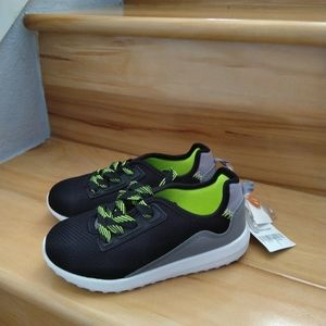Carter's kids sneakers shoes size 11